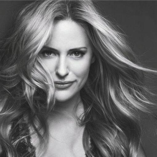 Book Aimee Mullins | Virtual Speakers